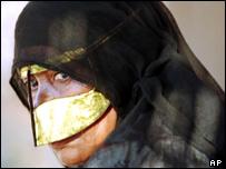 _40157334_woman_burqa203