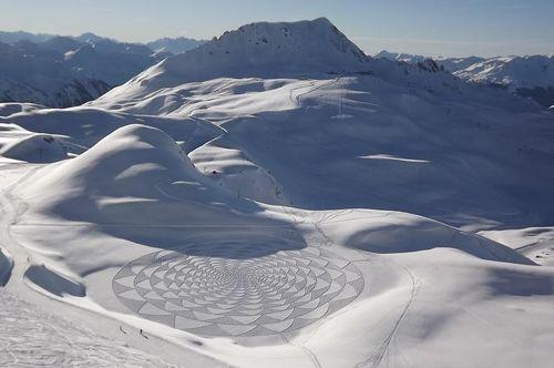 237911-simon-becks-snow-art