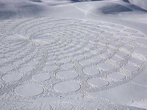 237909-simon-becks-snow-art