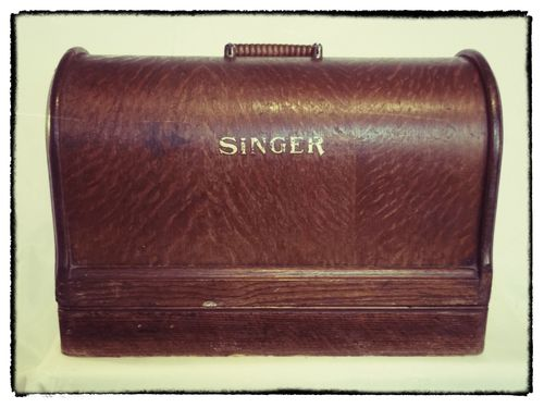 Hand-cranked-singer-126k-127k-3-4-size-vintage-sewing-machine-w-case-[5]-461-p _Snapseed